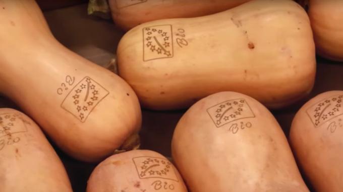 Un supermarché dit adieu aux emballages de fruits et légumes
