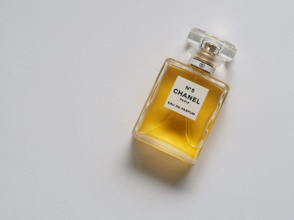 noms-de-parfums-chanel-flankers-naming-agence-énékia-création-nom-de-marque-paris